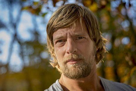"""Henning Baum in Staffel 4 von """"Der letzte Bulle"""""""