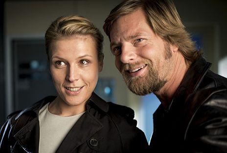 """Henning Baum & Franziska Weisz in Staffel 4 von """"Der letzte Bulle"""""""