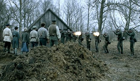 """Vergeltungsma�nahmen der Wehrmacht in """"Unsere M�tter, unsere V�ter"""""""