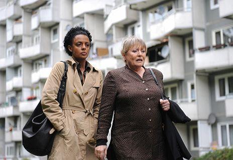 """Dennenesch Zoud� & Karin Baal in """"Vergiss nie, dass ich dich liebe"""""""