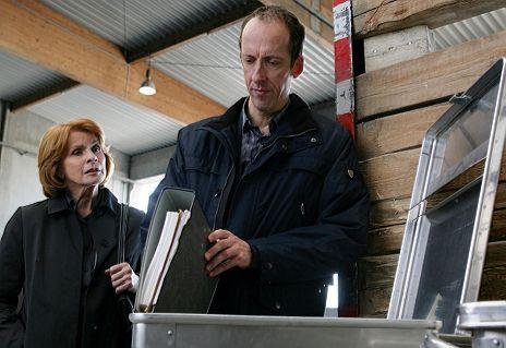 """Senta Berger & Rudolf Krause in """"Unter Verdacht - Mutterseelenallein"""""""